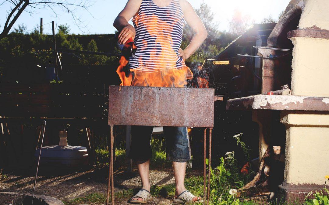 Tipps zum sicheren Grillen – Warnung vor Brandbeschleunigern
